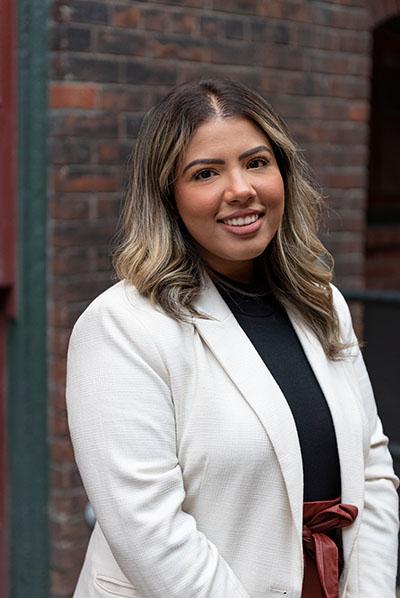 Aneeza Ahmad - KASE Insurance Toronto