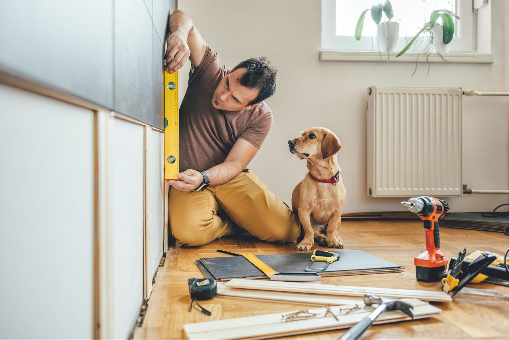 An independent contractor for home renovations